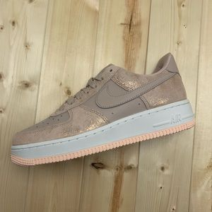 New Women's Nike Air Force 1 '07 PRM Size 8